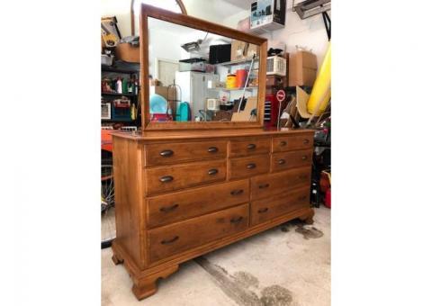 Ethan Allen Vintage Maple Dresser #10-5303 #211 Nutmeg with Mirror